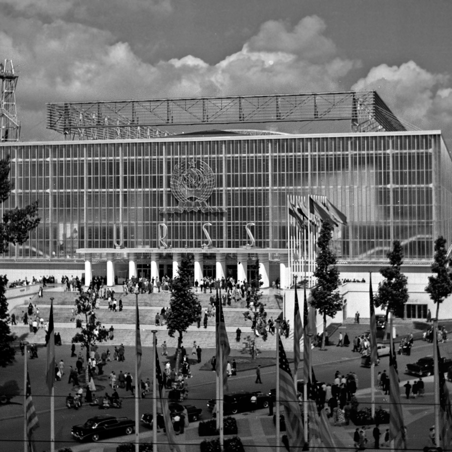 3_Expo58_building_URSS_1956