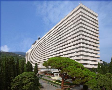 7_Yalta-Intourist_Hotel_Complex_1978